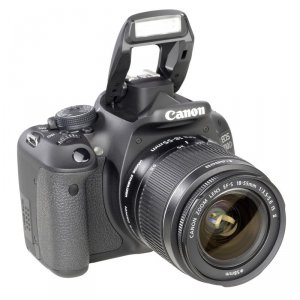 Canon EOS 600D Kit + EF-S 18-55mm IS II