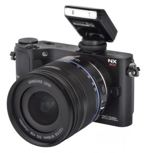 Samsung NX200 Kit + 18-55mm II OIS