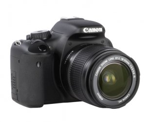 Canon EOS 550D Kit + EF-S 18-55mm IS