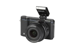 Samsung NX3300 + 16-50mm 1:3.5-5.6 POWER ZOOM ED OIS i-Function
